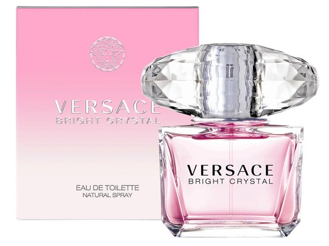 nước hoa Versace Bright Crystal có tông màu ngọt ngào