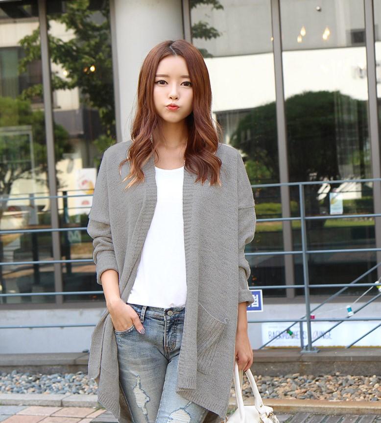 Áo khoác cardigan dài kết hợp cùng quần jean