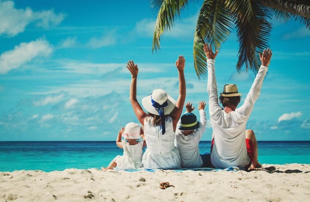 Đi du lịch, nghỉ mát là hoạt động nhiều người lựa chọn