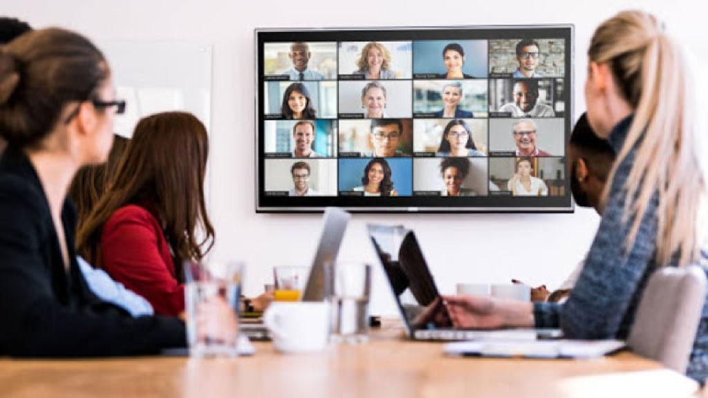 Dễ dàng kết nối, quản lý công việc từ xa là ưu điểm vượt trội khi làm việc online